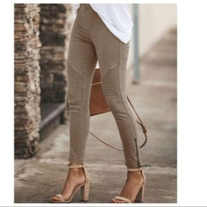Mocha Stretch motto jeggings with zipper trim